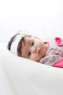 Babyfotograf, Baby in Seitenlage, Leimbach