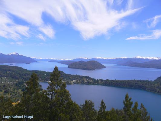 Bild: Blick über die Seenlandschaft