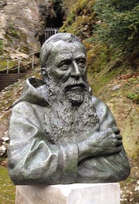 Buste, en bronze du Père Marie-Antoine, à Lourdes, sculpteur Langloÿs