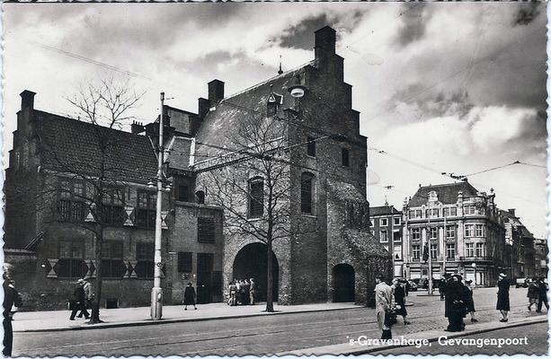 Ansichtkaart Gevangenpoort Den Haag 35
