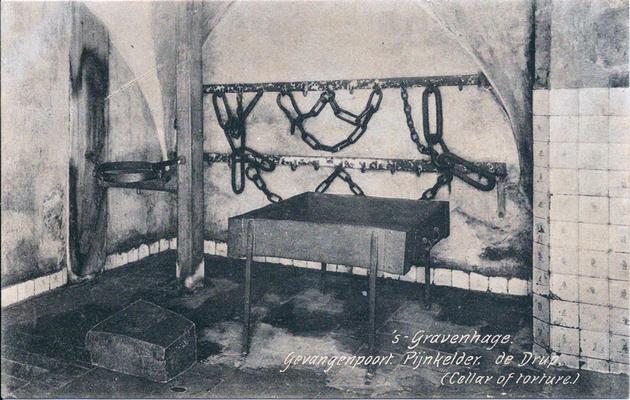 Ansichtkaart Gevangenpoort Den Haag 01