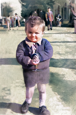 1955 ; Young Anthony in Athens, Greece, prior to leaving for Australia.