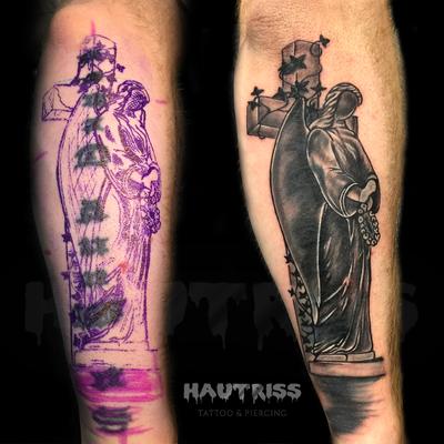 Cover-Up-Tattoo bestehender Chinesischer Schriftzeichen, neues religöses Motiv mit Kreuz und Skulptur