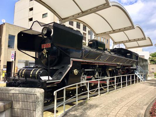 蒸気機関車が公園にありました。
