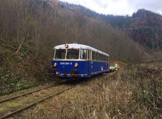 erstmalige Befahrung des Streckenabschnitts zw. km 6,55 und km 6,25 seit dem Murenabgang von 2010 am ersten November-Wochenende 2016