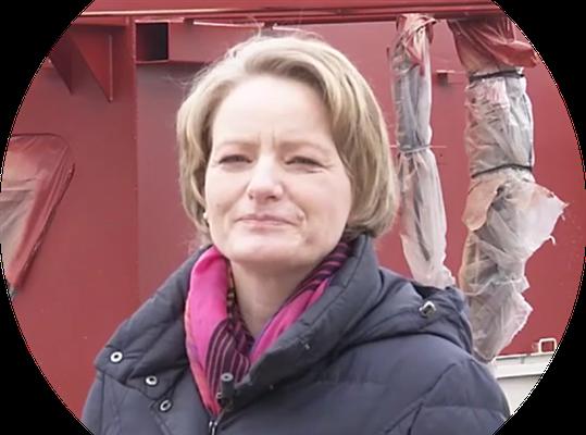 Die  Corinna Bartelt führt die Werft in 7. Generation (Quelle ARD)
