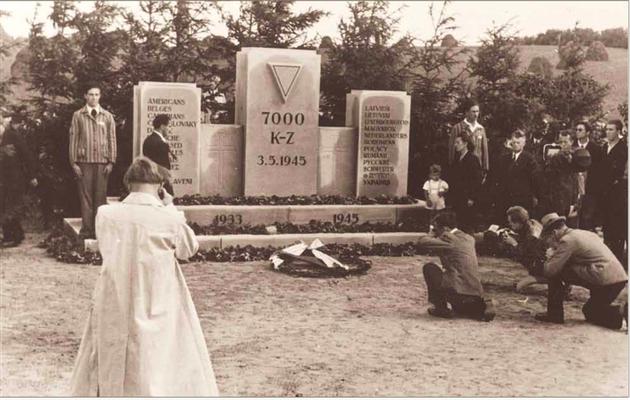 1948 Eröffnung der Gedenkstätte (Fotograf unbekannt)