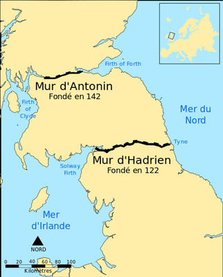Hadrien (117-138) construit, en 122, le mur d'Hadrien, limes de Bretagne (Grande-Bretagne). Tout comme son prédécesseur, Hadrien ne publie pas d'édit de persécution contre les chrétiens mais applique les lois sanguinaires existantes dans tout l'Empire.