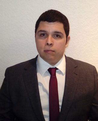 Alejandro ist Experte für Lateinamerika und Südamerika, insbesondere im Pharma-Bereich