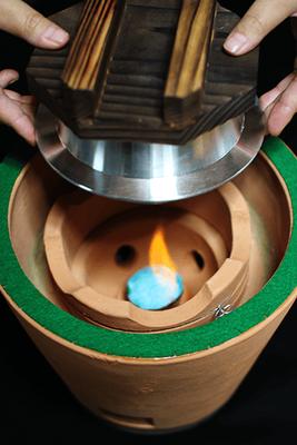 小田式ミニ蒸しかまど小 1.5合炊き・固形燃料で炊飯