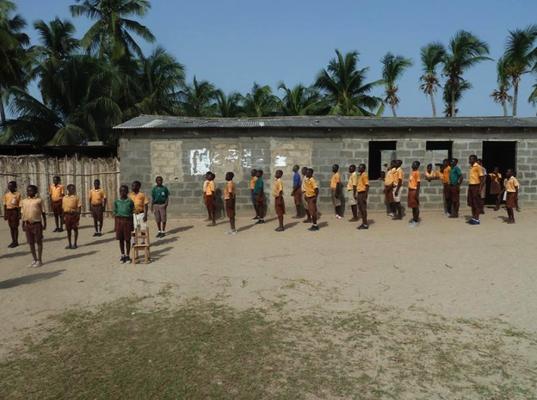 Außengelände Schule Atiteti
