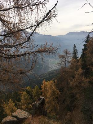 Blick vom Bergrücken nach Primiero