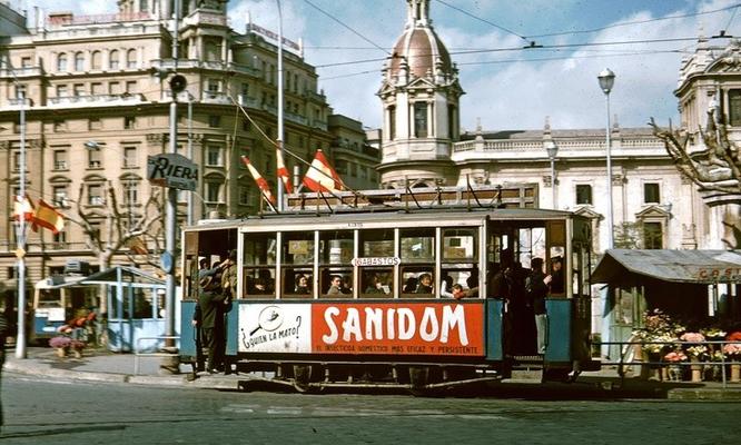 Plaza de Ayuntamiento de València años 50.