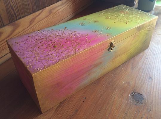 Holzkiste für allerley Schätze, handbemalt