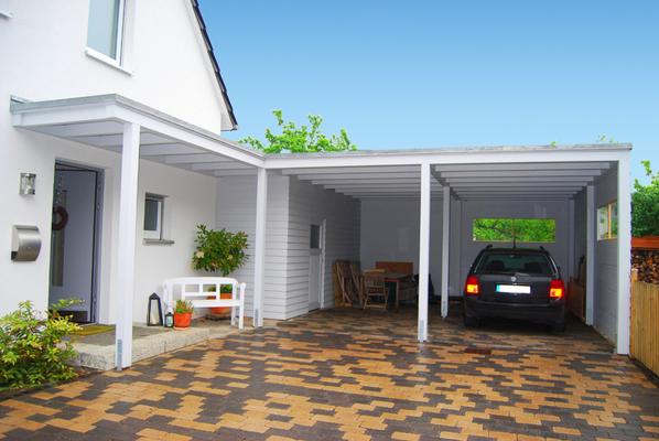 Carport mit Flachdach
