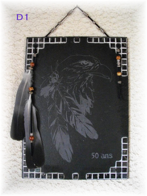 D1       Tête d'Aigle avec plumes Anniversaire gravure 50 Ans  30 x 22