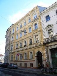 Appartement de Richard Moser (saison 1), situé 80 rue du Maroc à Vienne
