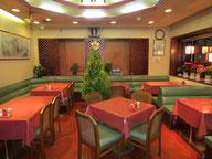 1階 テーブル席
