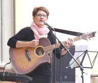 "Siegi Wilke bei der ""Fête de la Musique-Burg"" 2015"