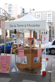 Kiosque au Marché découverte de la qualité d'un produit : le cochon Label rouge Corse