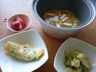 大阪兵庫で家事代行サービスの食事作りの朝食でオムレツ