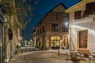 Nachtfotografie: Restaurant in de nachtelijke straten van Deventer