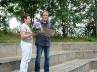 Herr Kraft wurde für sein 40-jähriges Dienstjubiläum ausgezeichnet...
