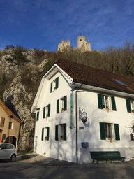 Burgruine Neu Falkenstein oberhalb dem Restaurant Pintli