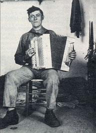 Mon grand-père Osmin Nauges en 1933