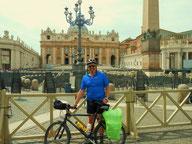 2014 - mit dem Rad nach Rom, hier Ankunft am Petersplatz
