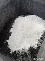 U supstrat dodajemo kvarcni pijesak.