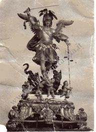 Foto della Statua di San Michele Arcangelo anni '50.
