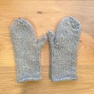 einfache Handschuhe stricken Fäustlinge Anleitung omniview DIY blog
