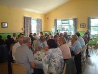 Repas convivial avec les membres de l'association le dimanche midi.