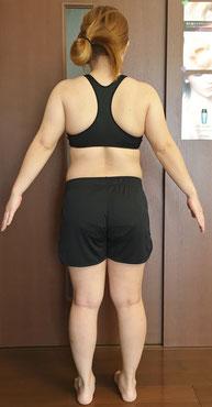 DNAパーソナル痩身を体験される30代女性