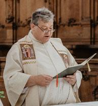 mit Pfarrer Josef Mederer