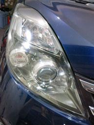 トヨタ・アイシスのヘッドライトの曇り・黄ばみ・劣化の除去(修理・修復)、右側修理後2
