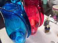 青と赤のソラライズドウオーター飲み比べ
