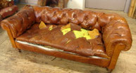 Canapé Chesterfield à restaurer