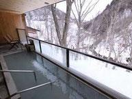 冬の露天風呂からの眺め