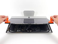 Removing the display of a friction stir welded Apple iMac 21.5'', 2012