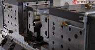 Zweibackenfutter einer koreanischen 5SF Einspindel-Maschine Reibschweißmaschine von U-Jin Tech Corp. mit 5 t Kraft
