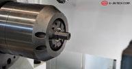 Dreibackenfutter einer koreanischen 5SF Einspindel-Maschine Reibschweißmaschine von U-Jin Tech Corp. mit 5 t Kraft