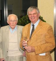 Rektor Julius Haase, Ltd. Schulamtsdirektor i. R., früherer Lehrer an der Mittelpunktschule Battenberg, Hartmut Schrewe