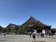 徳川家の威厳を存分に感じられ、やっぱ見ごたえ十分。(でもなぜ両者とも屋内撮影禁止なんだろうか…)