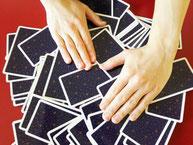 タロットカードは緻密なシステムです