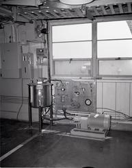 Equipment für das Kaltverschweiß-Programm der NASA  im  Gebäude Nr. 16 neben dem Tank Nr. 4 im Prop House des John H. Glenn Research Center in Lewis Field, 14 Aug 1979