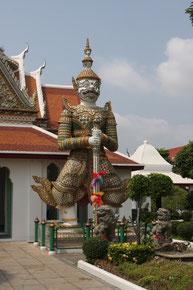 Yaksha-Wächter vor dem Wat Arun, Bangkok