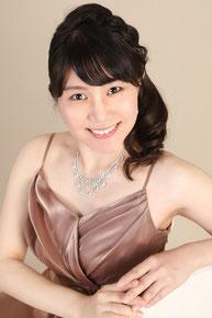 安光桃子Momoko YASUMITSU