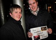"""""""Fortbildung"""" der """"TSCBP""""-Mitglieder René Arens und Alexander Kranich (rechts) am Rande des Robert Cray-Konzertes im März (Foto: Nilles)"""